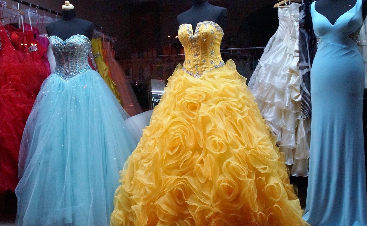 dress-1146503_1280