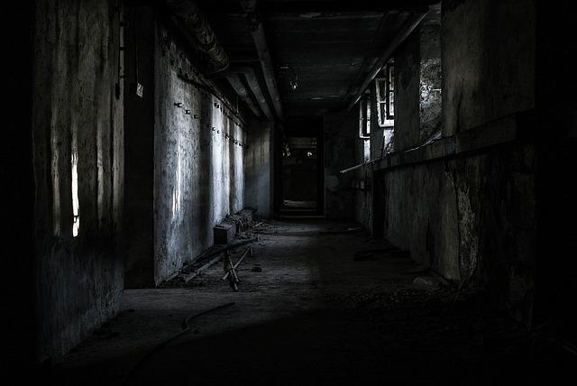 ztracen v budově