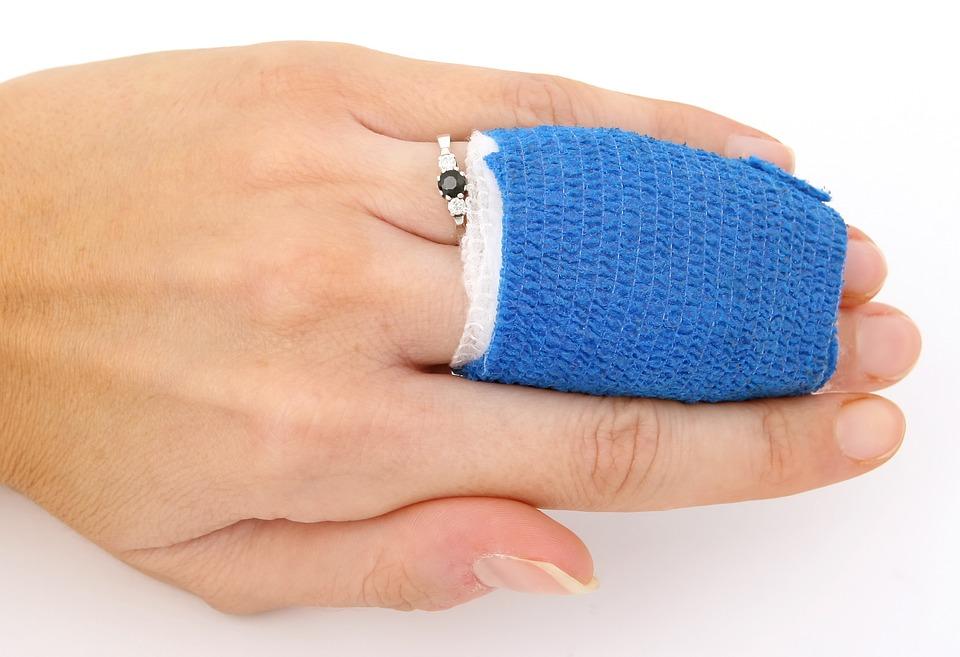 zraněné prsty